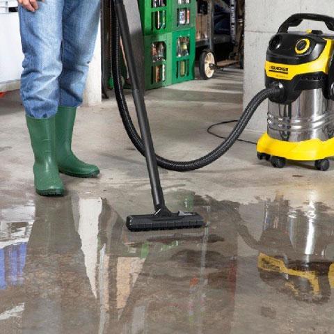 Aspirateur industriel eau et poussières